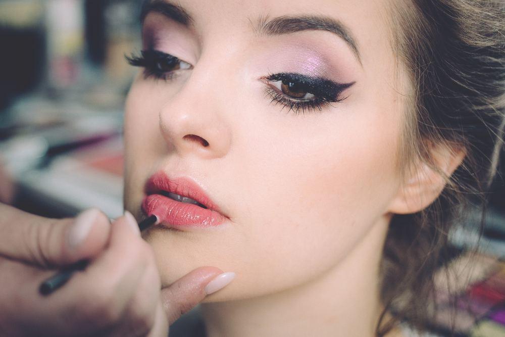 Handla billig makeup